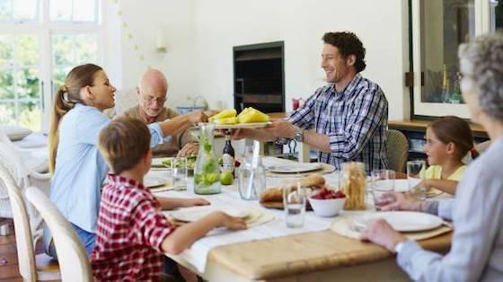 Es bueno siempre incluir frutas y verduras en el menú diario. (Foto: Getty Images)