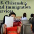 Sólo el 36% de los mexicanos que cumplen los requisitos para optar a la nacionalidad estadounidense lo hacen, mientras que el promedio general de inmigrantes de otros países es del 68%. (Foto: Getty)