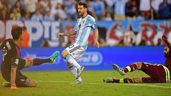 Argentina venció 4-1 a Venezuela y avanzó a semifinales de la Copa América