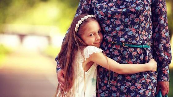 Enseñarles a ser agradecidos hará que tus hijos sepan valorar cada cosa que recibirán a lo largo de su vida. (Foto: Shutterstock)