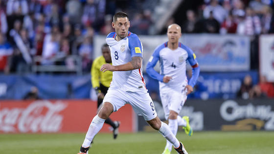 Estados Unidos derrotó 2-1 a Ecuador y clasificó a semifinales
